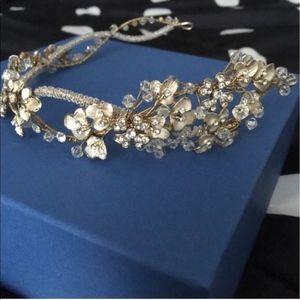 Bel Aire Bridal Champagne Floral Headpiece